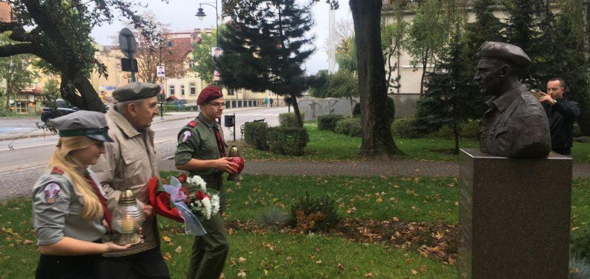 Weteran 1 Samodzielnej Brygady Spadochronowej Alfons Trocki przyjechał do Lęborka