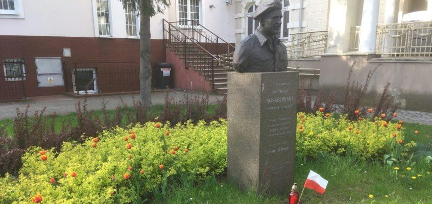 Tulipany zakwitły w imieniny generała Sosabowskiego